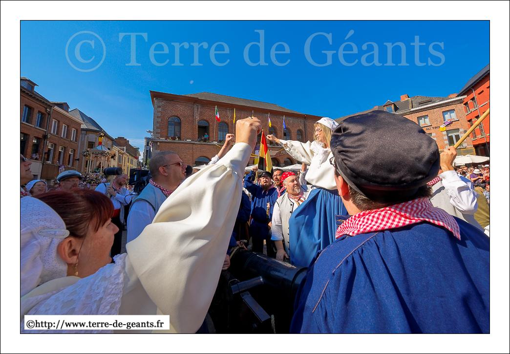 Depuis 1975, le groupe du canon du Mont-Sarah rappel le la Révolution belge de 1830
